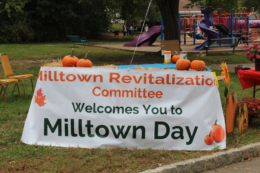 Milltown Day Welcome Sign